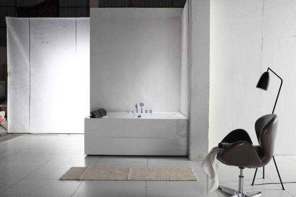 Whirlpool 180x131 Neckar Badewanne Whirlwanne für 2 Personen Sonderpreis