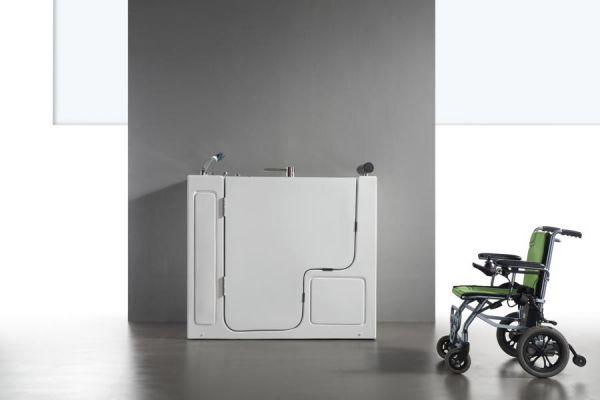 Seniorengerechte Wanne 132x76 Fulda Senioren Badewanne mit XL Tür für 1 Person